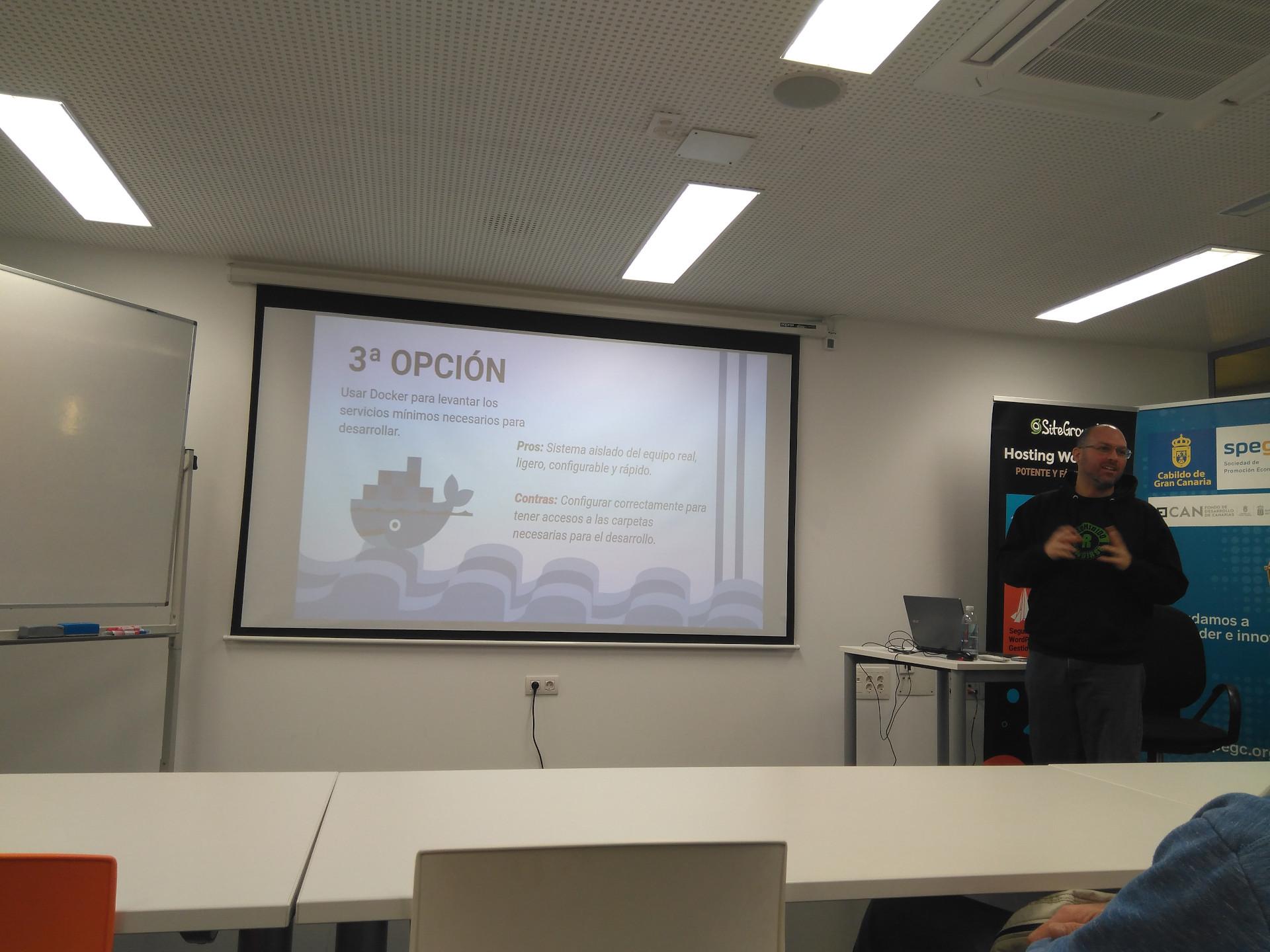 Meetup sobre entornos de desarrollo con Fabián Rodríguez